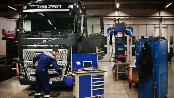 Volvo FH16 fuel efficient engines