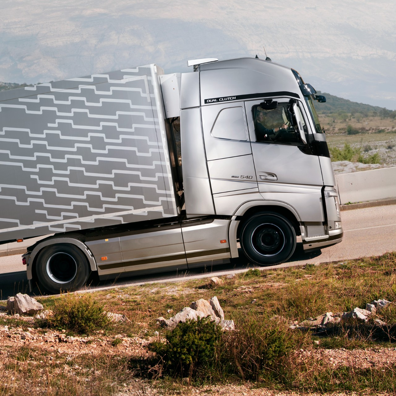 Volvo Trucks intelligent tech features