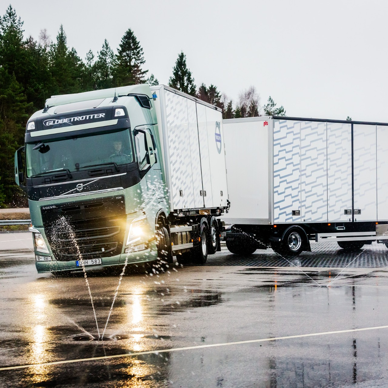 Volvo Trucks stretch brake